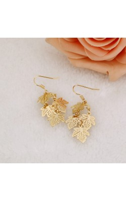 2016 Luxury 1 Pair brincos long earring Gold Stud Earrings Maple leaves earrings for women fashion jewelry Pendientes brincos